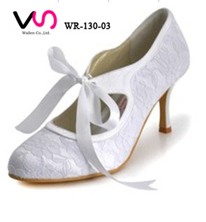Vintage style nice lace pump bridal wedding shoes with bow made in China