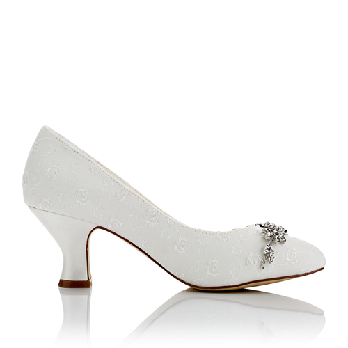 WR-172-1A Embroidery Bridal Shoes