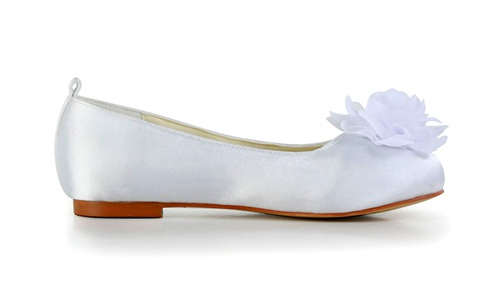 Flat communion shoes by dyeable satin